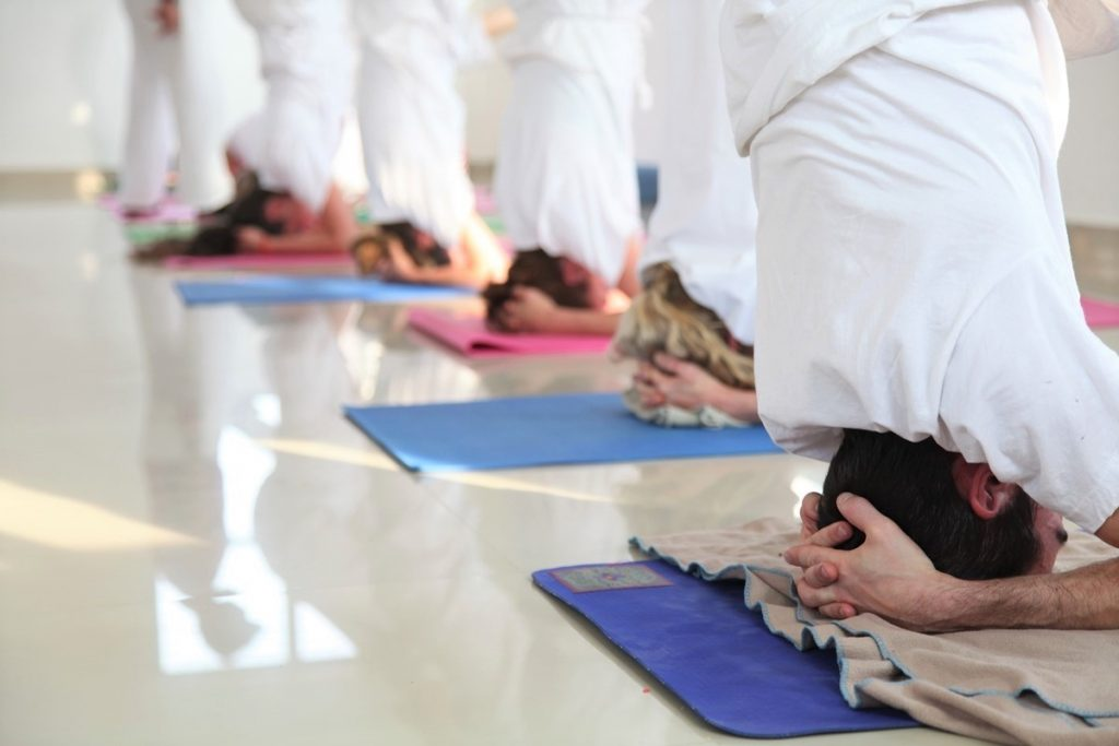 yoga teacher training course in mumbai